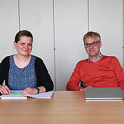 Steffi Herold, Gabriele Büchel, Martin Eilers, and Jacqueline Kalb (from left) are investigating neuroblastomas and other cancers at the JMU Biocenter. Photo: Robert Emmerich / University of Würzburg
