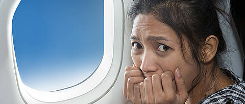 Fear in an airplane – it would be smaller if someone else was sitting next to you...